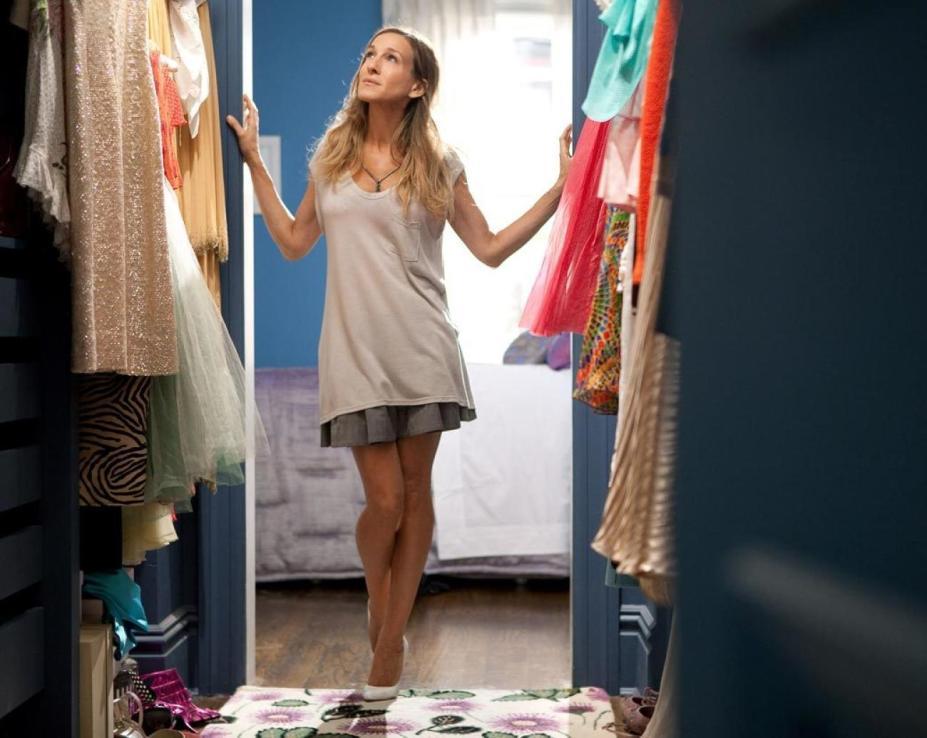 la-decoradora-de-la-casa-de-carrie-bradshaw-nos-cuenta-los-secretos-del-apartamento-mas-chic-de-la-tele