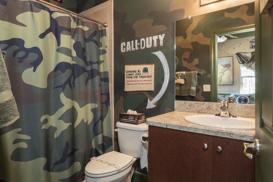war_games_bathroomlarge