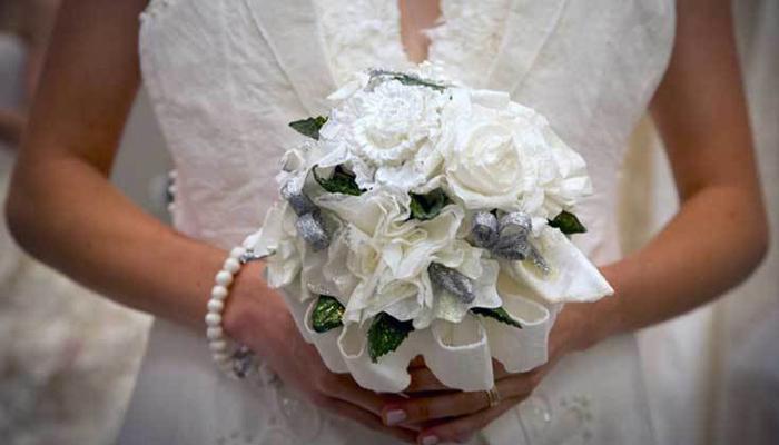 628547-bride