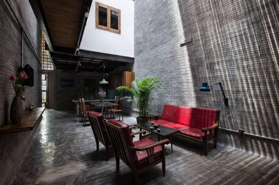 una-casa-convertida-en-un-monasterio-budista05