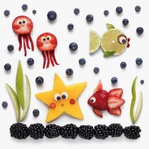 Fiesta de animales marinos con frutas
