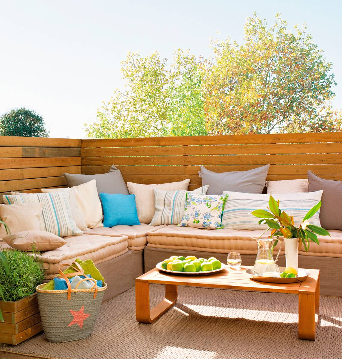 decorar-una-terraza-en-forma-de-l_07c47683_1143x1200-2